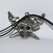 Металлический кулон Пират